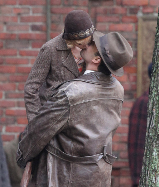 ben affleck kiss sienna miller on set nov25 2015 ffn EXC SEE CLIPS 51914542