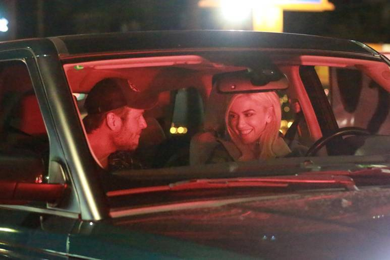 The Most Romantic Blake & Gwen Pic Yet! See Them Gaze into Each Other's Eyes