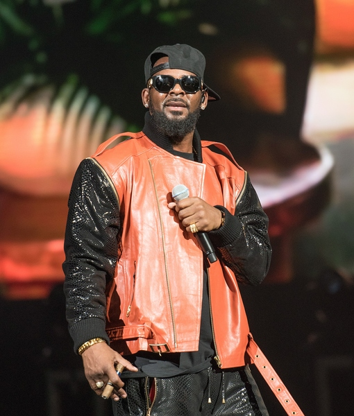 Video! R. Kelly Walks Out of Most Awkward Interview of All Time
