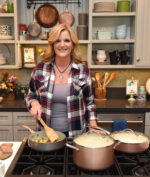 How Trisha Yearwood Is Giving Back This Holiday Season