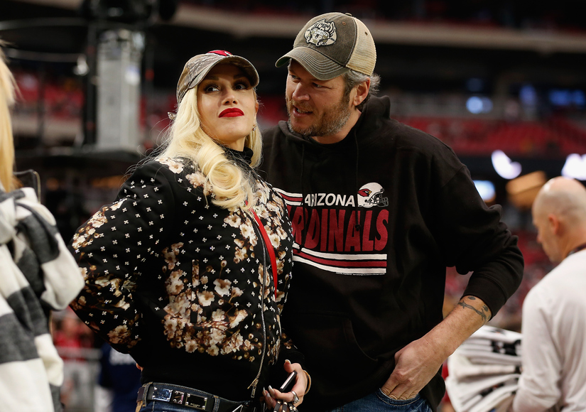 Gwen & Blake Spend the Holidays Together, Miranda Follows Gwen on Twitter
