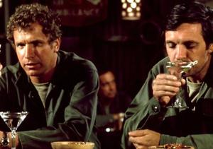 'M*A*S*H' Star Wayne Rogers Dies at 82