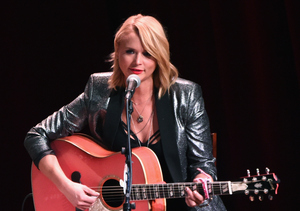 Extra Scoop: Miranda Lambert Reveals She Got a New Tattoo to Commemorate Rotten…