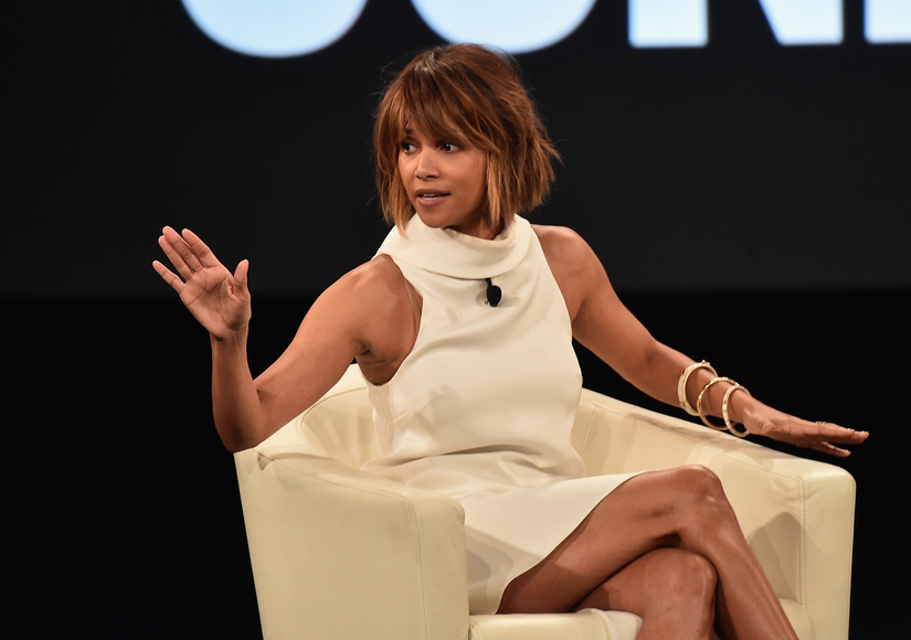 Halle Berry Looks Back at Oscar Win: 'I Thought That Moment Was Bigger Than Me'
