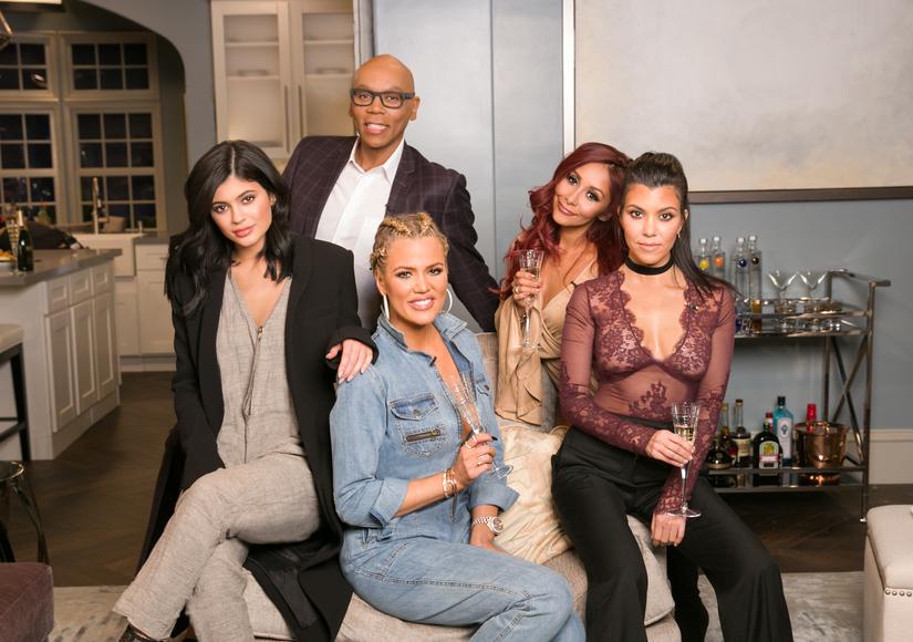 Khloé, Kourtney & Kylie Laugh at Kanye West & Wiz Khalifa's Twitter Feud