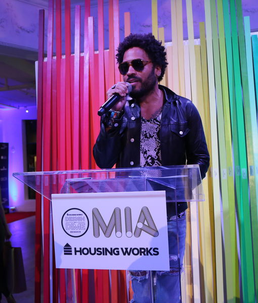 Lenny Kravitz Accepts Housing Works 'Giving by Design' Award
