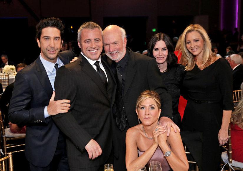 Jennifer Aniston Breaks Down in Tears at Emotional 'Friends' Reunion