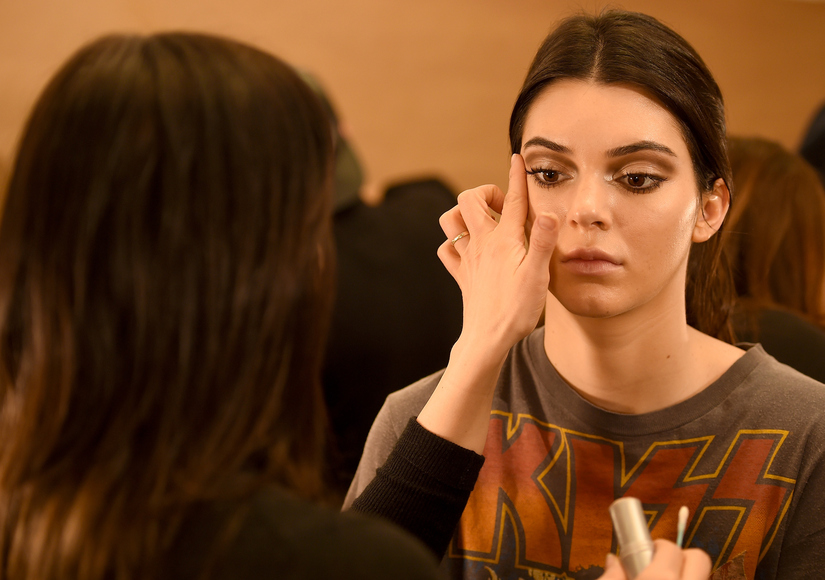 Kendall Jenner Reveals Why Her Eyebrows Are Falling Out
