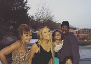 Mariah Carey & Nick Cannon Reunite for Their Twins — See the Cute Pic!