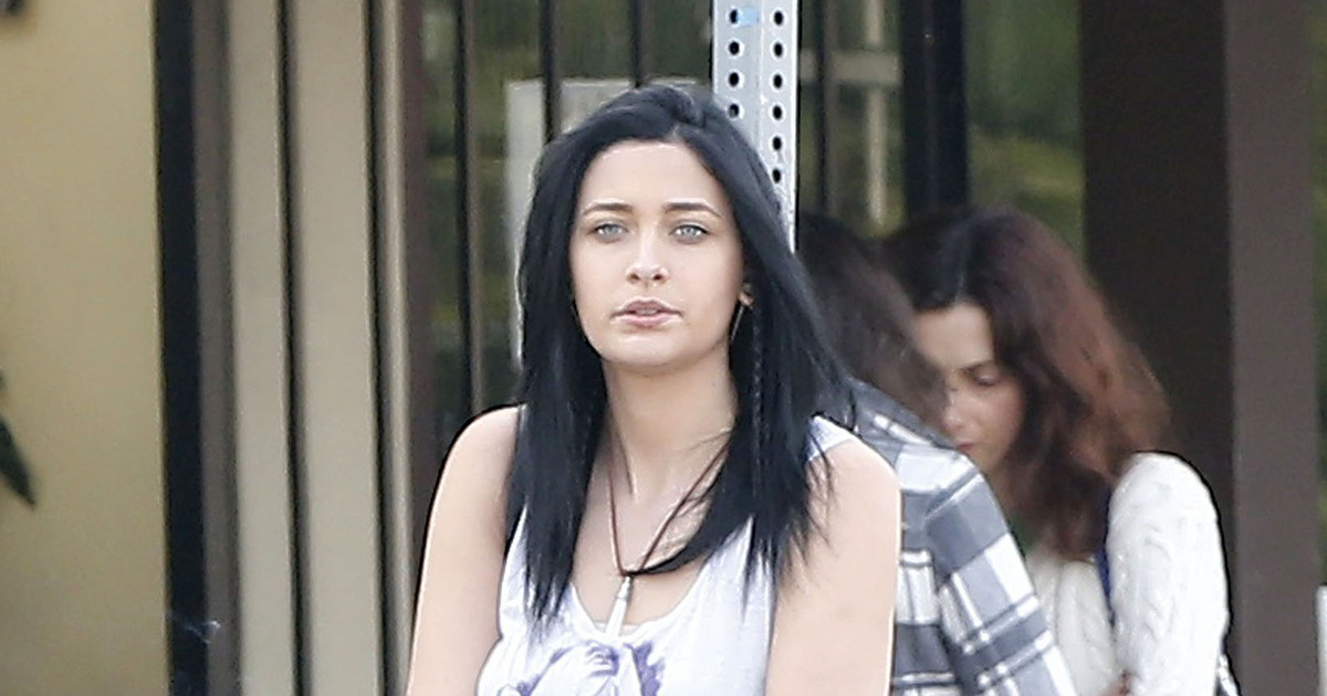 Paris Jackson Goes For Edgy New Look See Her Shorter