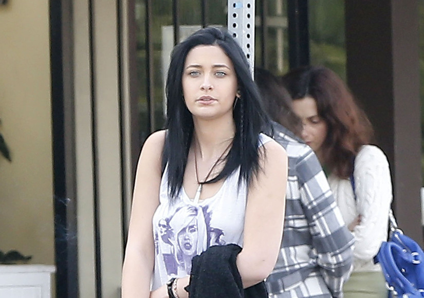 Paris Jackson Goes for Edgy New Look — See Her Shorter Blonde Hair!