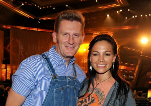 Friend Reveals Details from Joey Feek's Funeral