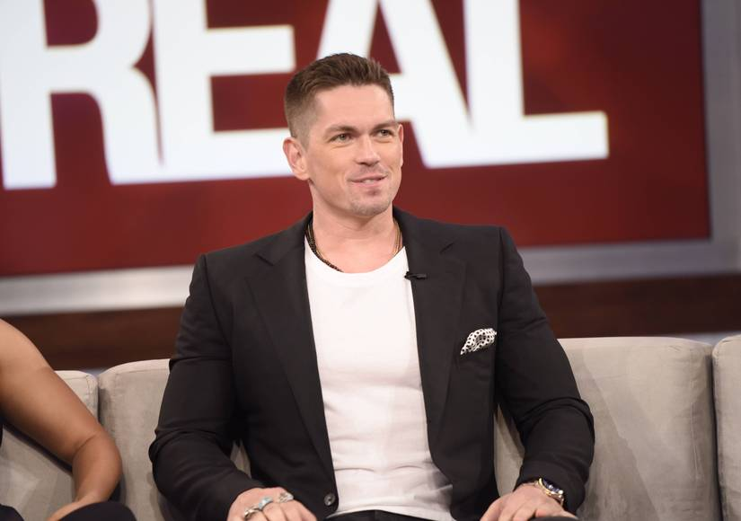 Steve Howey Learns the Meaning of 'Netflix and Chill'… and It's Hilarious