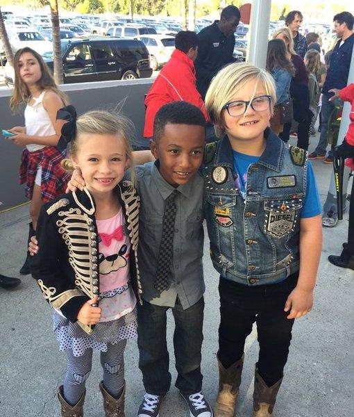 Too Cute! Gwen's Son Zuma Channeled Blake for Kids' Choice Awards