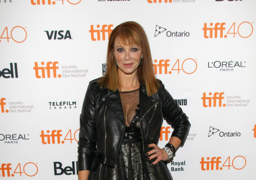 Lauren Holly Addresses Plastic Surgery Rumors – Watch!