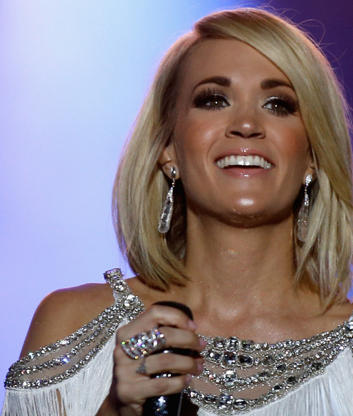 b55b2f981a062 Carrie Underwood Shows Off Her 'Adorable' Swimwear Line with Bikini Selfie