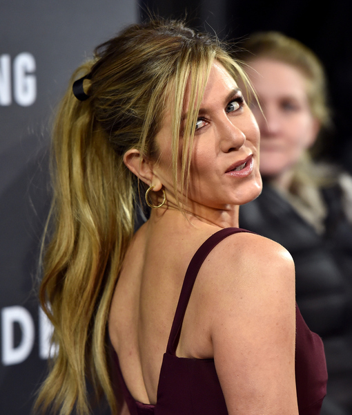 'Mother's Day' Star Jennifer Aniston on Jake Gyllenhaal's Crush, 'Friends' Reunion, and More!