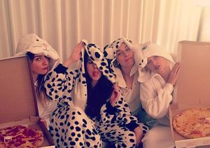 Taylor Swift Rocks Onesie for Post-Met Gala Pizza Party with Haim