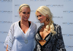 Kendra Wilkinson Blasts Holly Madison, Calls Her 'Freakiest Freak in the Bedroom'