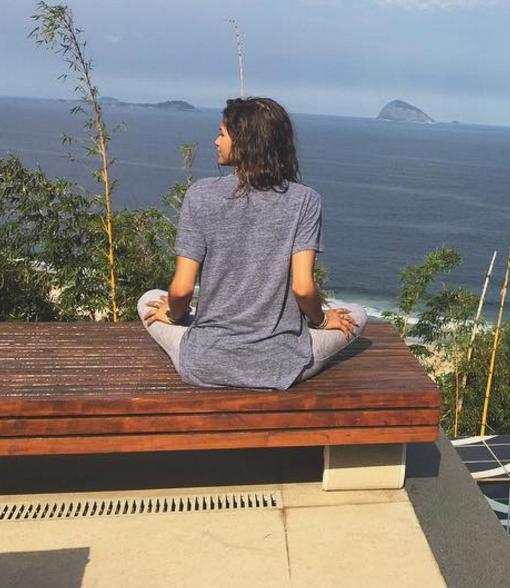 Zendaya's $3K-Per-Night Trip to Paradise, Thanks to Airbnb