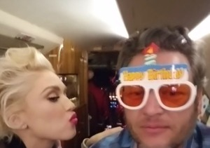 Gwen Stefani Helps Blake Shelton Celebrate His 40th, Shares a Stage with Him