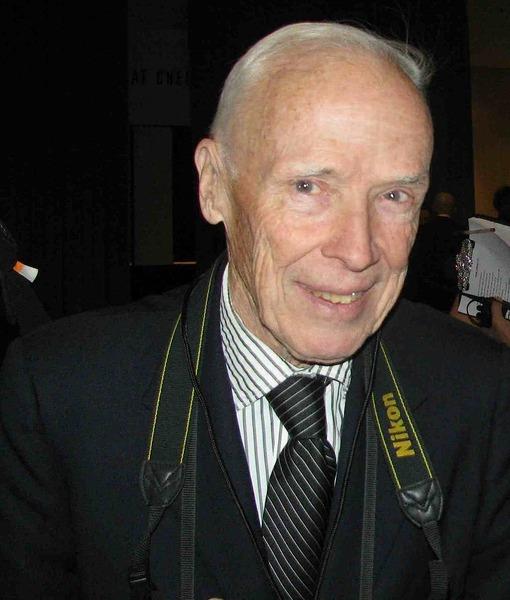 Bill Cunningham, Legendary New York Times Fashion Photographer, Dead at 87