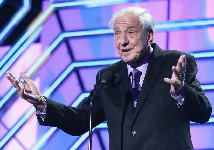 'Happy Days' Creator, 'Pretty Woman' Director Garry Marshall Dead at 81 — Stars React