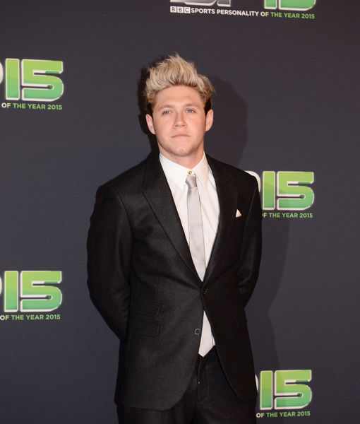 Niall Horan Flips Out at Fan Who Snapped Sneaky Photo of Him Asleep