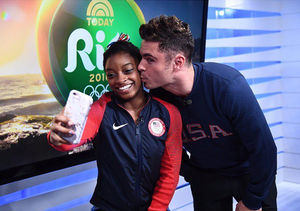 Which Man Will Simone Biles Choose: Zac Efron or Arthur Mariano?