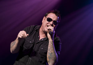 Smash Mouth Frontman Collapses Onstage