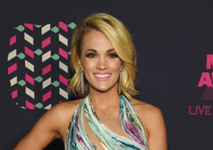 Extra Scoop: Carrie Underwood's Knee Looks Like Prince George's…