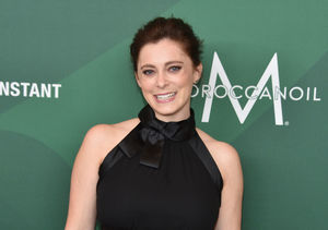 Extra Scoop: 'Crazy Ex-Girlfriend' Star Rachel Bloom Opens Up About…