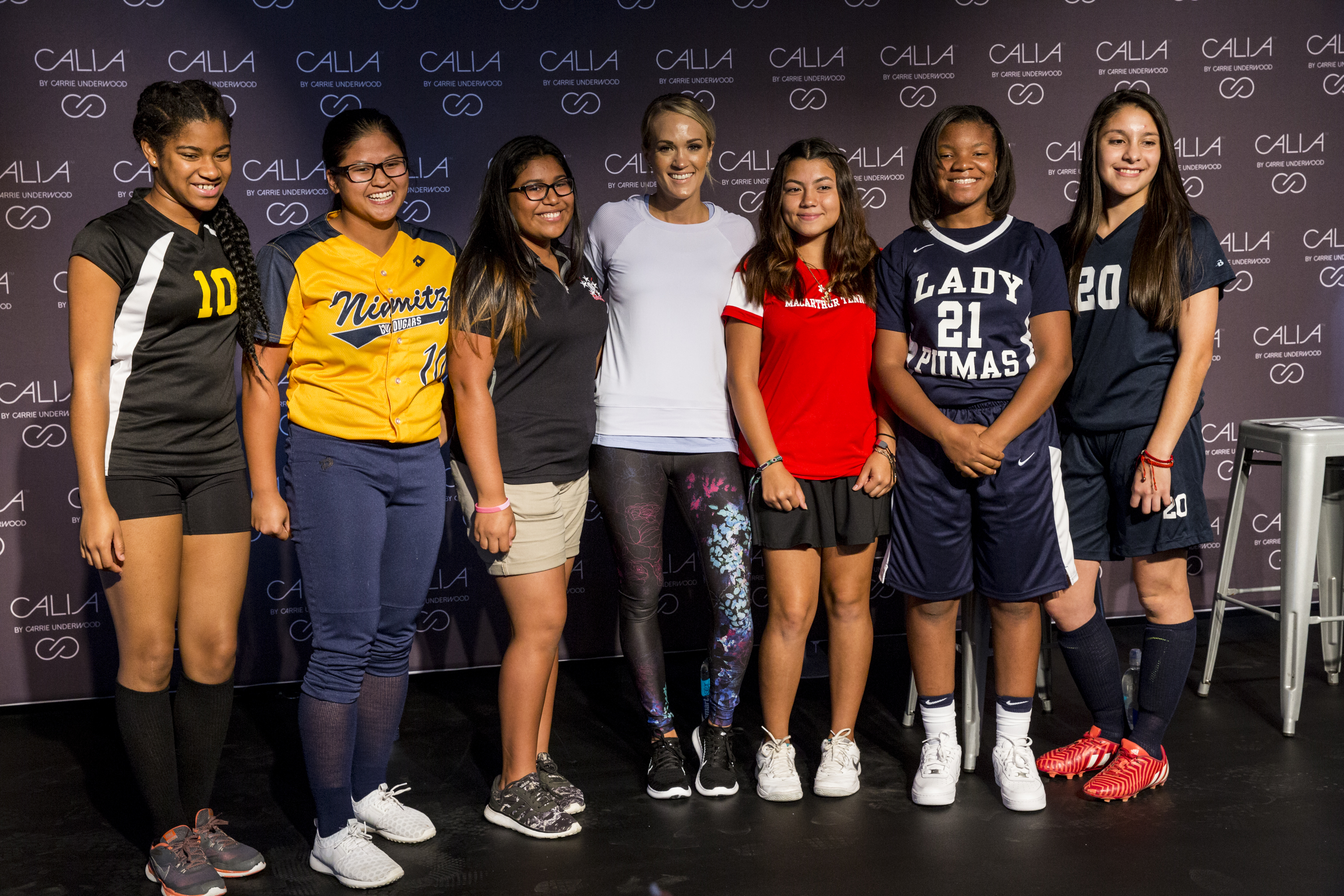 Carrie underwood teams up with sporting goods foundation to help carrie underwood kristyandbryce Images