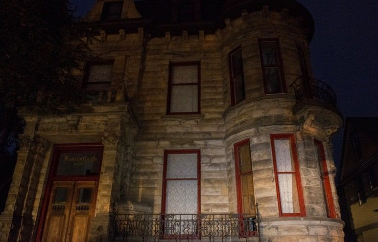 The 5 Most Haunted Mansions in the U.S.!