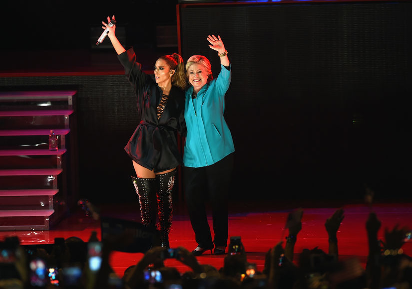 'Extra' Exclusive with Hillary Clinton & Jennifer Lopez, Plus: Hillary Gushes Over First Lady Michelle Obama
