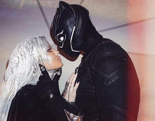 Khloé Kardashian & BF Tristan Thompson Pack on Halloween PDA