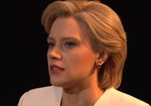 Kate McKinnon Opens 'SNL' as Hillary Clinton Singing 'Hallelujah'
