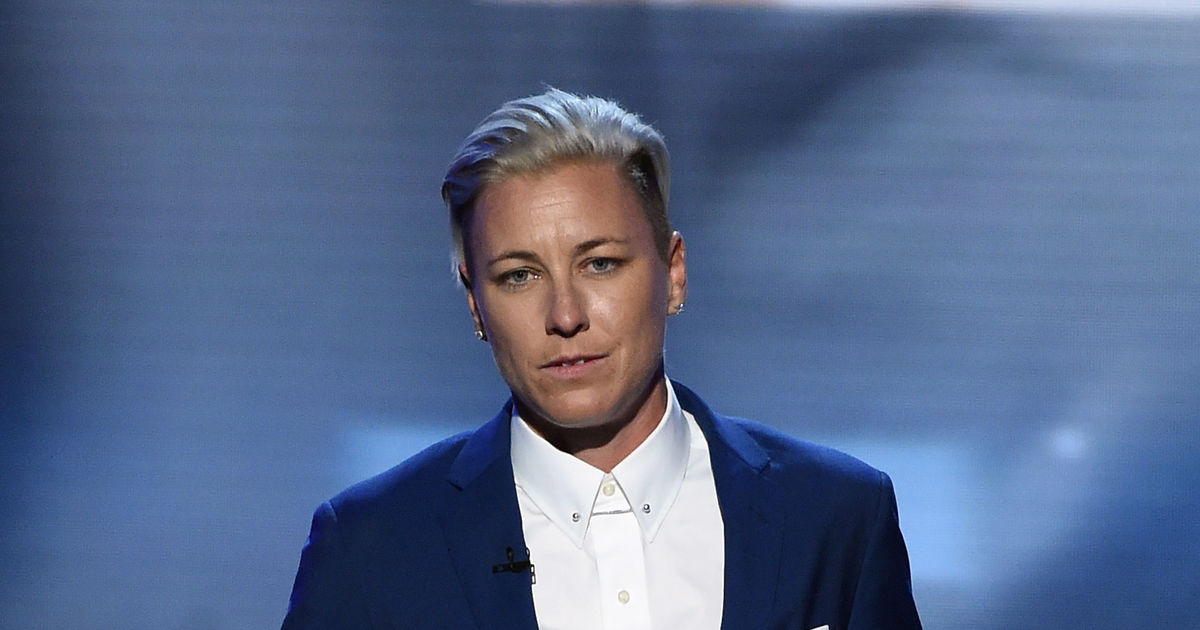 Extra Scoop  Who Is Soccer Star Abby Wambach U2019s New