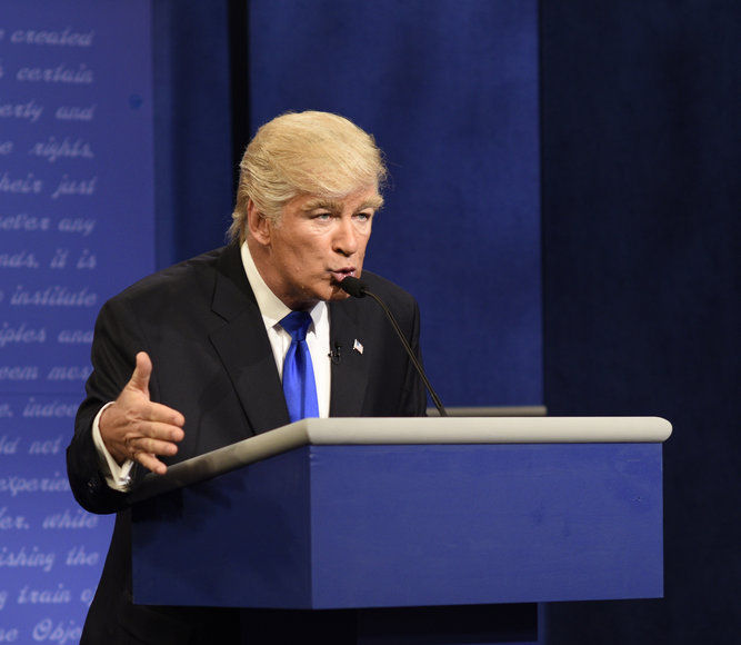 Leslie Jones Auditions to be Alec Baldwin's Trump Understudy on SNL