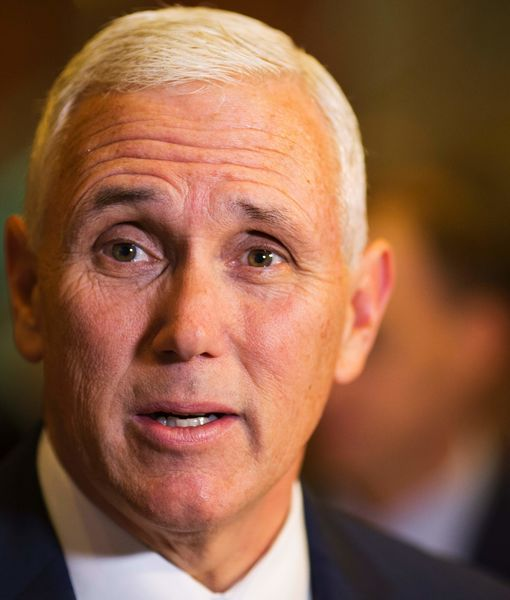 VP-elect Mike Pence Booed at 'Hamilton,' Plus: Cast Member's Speech