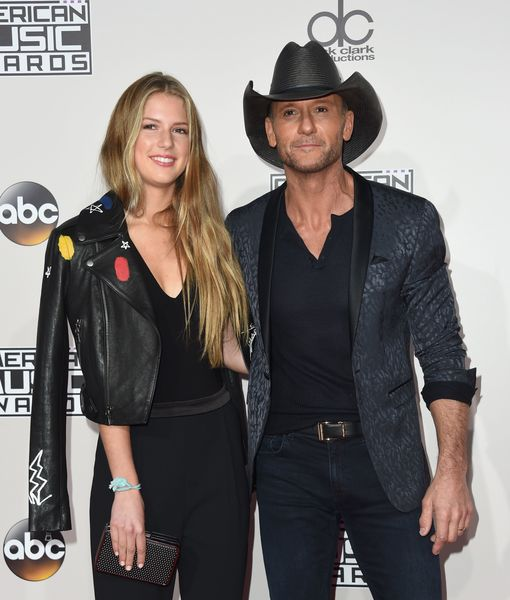 Which Pop Star Did Tim McGraw Introduce His Daughter to on the AMAs Red Carpet?