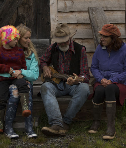 Jewel Visits Her Alaskan Roots in 'Alaska: The Last Frontier' Sneak Peek