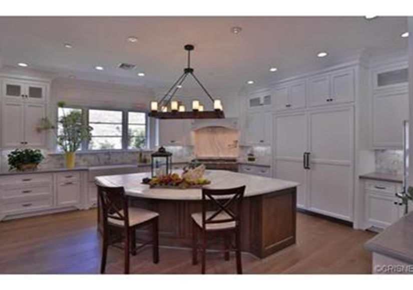 Kylie-Jenner-Buys-In-Hidden-Hills-Kitchen