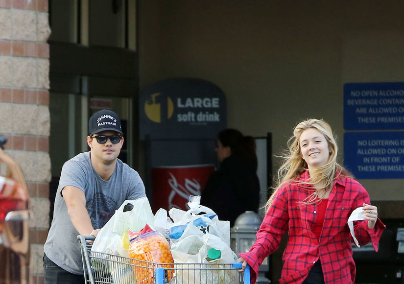 First Pics! Taylor Lautner & Billie Lourd Take Rumored Relationship Public