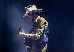 Grammy and Oscar-Winning Musician Ryan Bingham Performs 'Bread and Water'