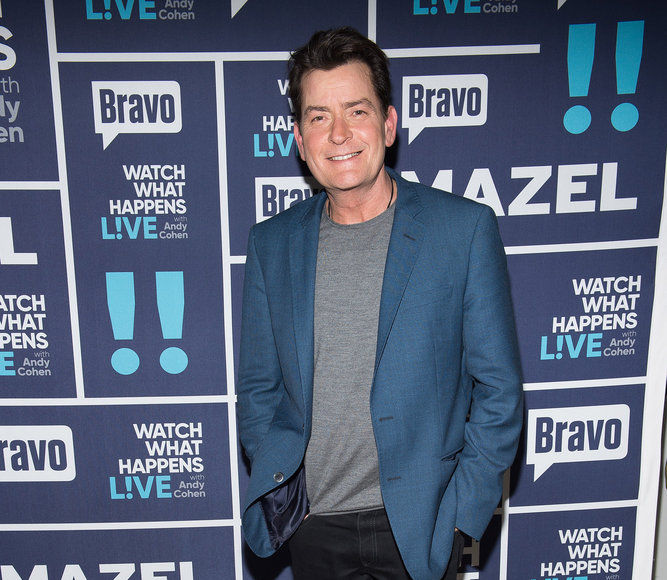 Charlie Sheen Disses Rihanna & Nearly All His Former Costars Except One on…