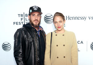 'Extra' Scoop: Jemima Kirke Chopped Off Her Hair During Fight with…
