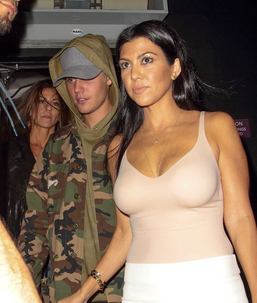 Are Kourtney Kardashian & Justin Bieber Hooking Up… Again?