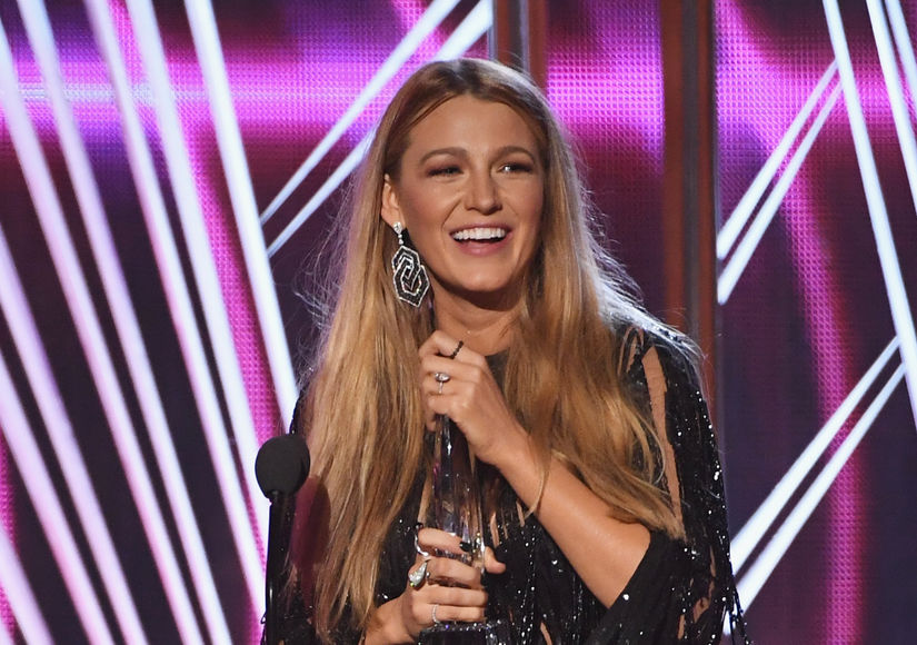 Blake Lively on Ryan Reynolds at People's Choice Awards: 'He's Mine!'
