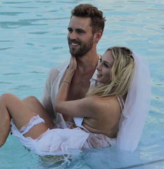 'The Bachelor's' Vixen Corinne Says She's 'Not Privileged'